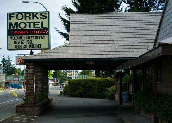 Outside Forks Motel check-in area