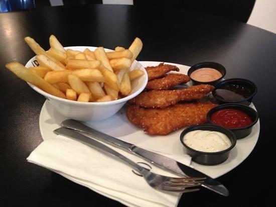 Burgers Bar - PIsgat Zeev: Snitzel and Chips