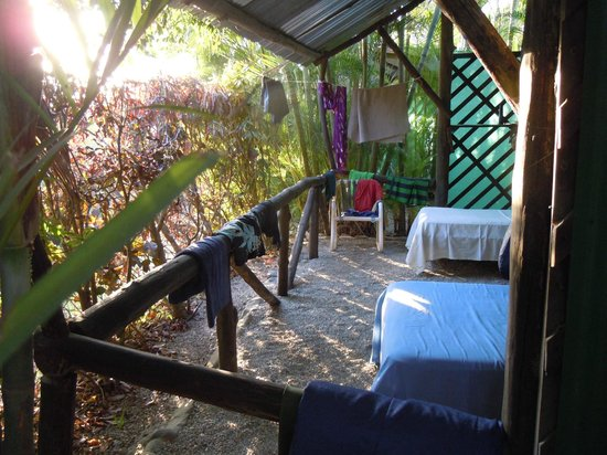 Mal Pais Surf Camp & Resort : Open-air Cabin