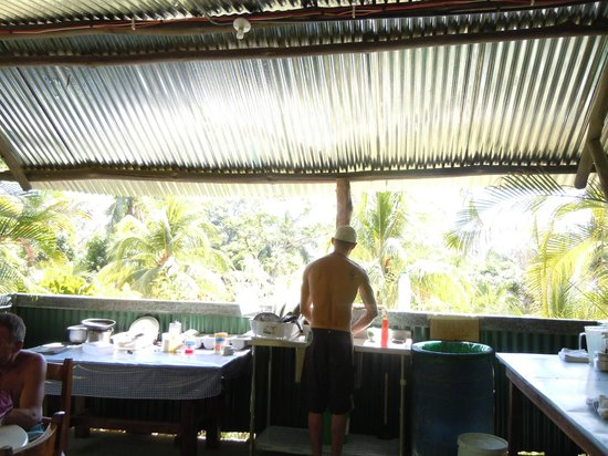 Mal Pais Surf Camp & Resort: Kitchen