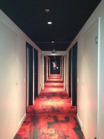 citizenM London Bankside: Upstairs corridor