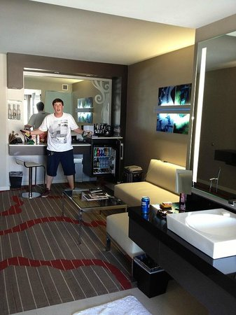 The Room And The Maxi Bar Picture Of Hard Rock Hotel San Diego San Diego Tripadvisor