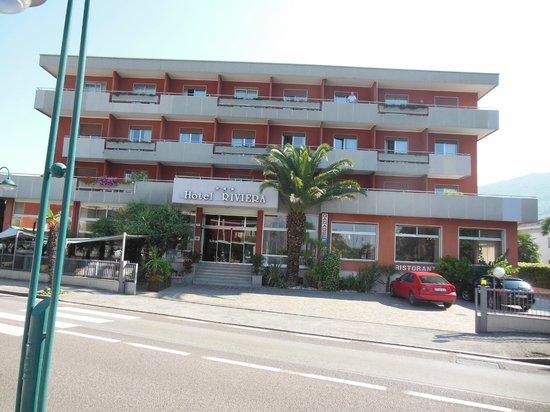 Hotel Riviera: ingang hotel