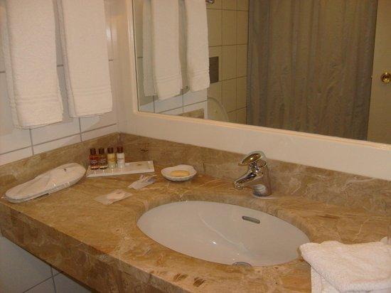 Sheraton Essen Hotel : la salle de bain