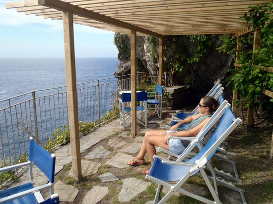 Trattoria Gianni Franzi: Back patio of the hotel