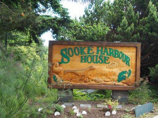 Sooke Harbour House Resort Hotel: Entry Sign