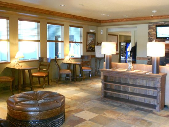 Yellowstone Park Hotel: Hotel Reception