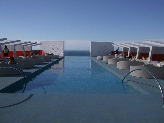 DoubleTree by Hilton Hotel Resort & Spa Reserva del Higueron: Infinity Pool