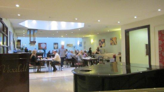 Argenta Tower Hotel and Suites: Restaurante