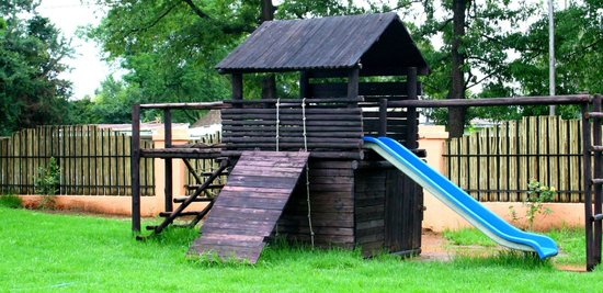 Itumeleng Guest House : jungle gym