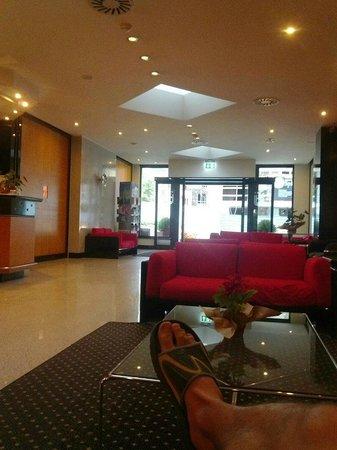 Junior Hotel: Холл