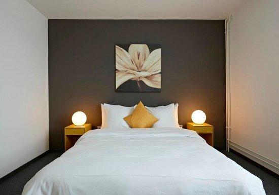 Hotel Glanis : Chambre Jaune