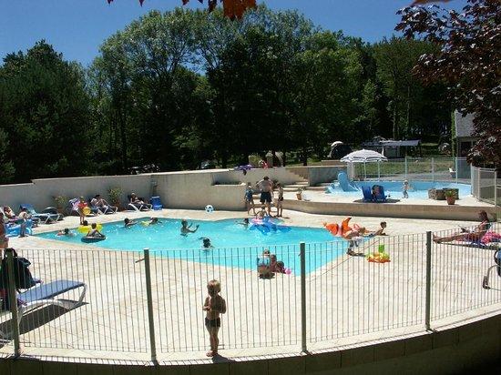 Camping Le Plo : Piscine avec Pataugeoire - Swimming pool