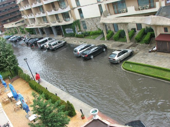 Forum Hotel: flood on holiday