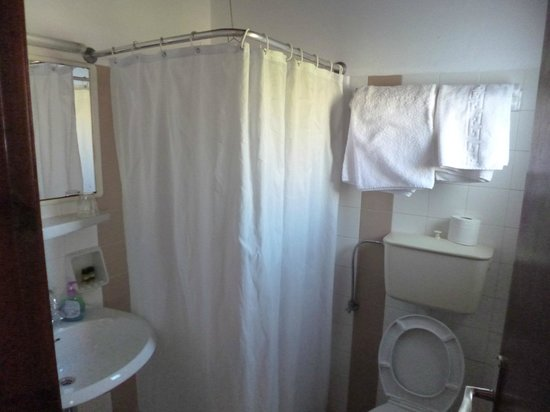 Anastasios Sevasti: Mykonos hotel bathroom.