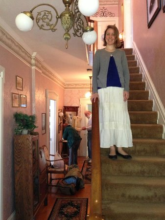 Aldrich Guest House: Stairs coming down for breakfast