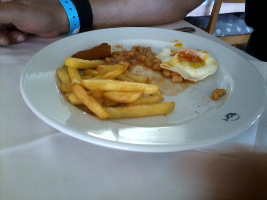 Port d'es Torrent, Spain: Egg chips and beans, 4 star hotel evening meal