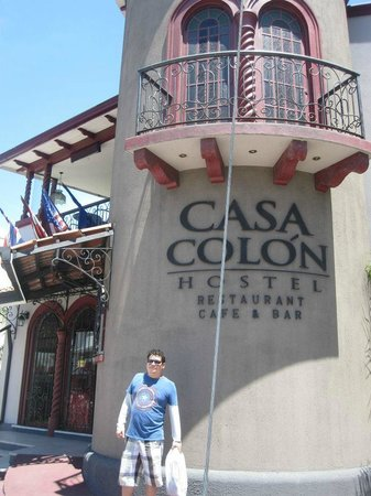 Hostel Casa Colon: This is how it looks like from the outside! Hard to miss
