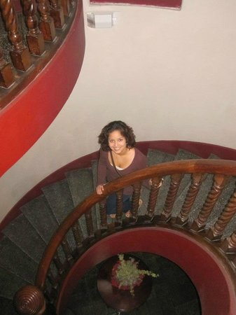 Hostel Casa Colon: Spiral staircase for second floor