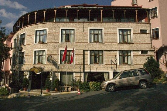 Megara Palace Hotel