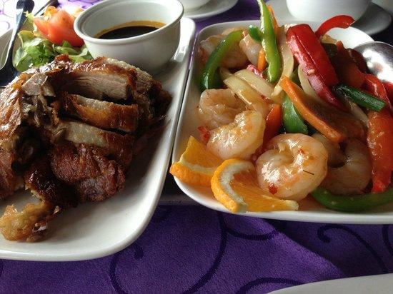 Royal Villa Chinese Restaurant : Roast duck and sambal prawns
