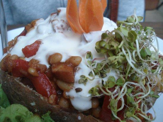 Bar Pod Ryba : beans bacon and sausage