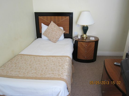 Britannia Country House Hotel & Spa: My bed on arrival