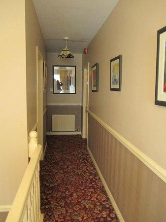 Plougastel House B&B: Hallway