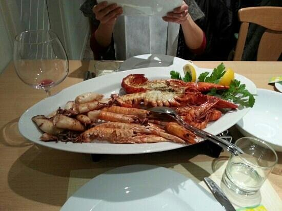 Kobarid, Slovenia: grigliata mista crostacei