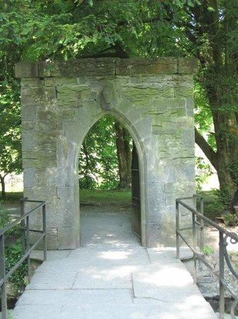 Royal Abbey of Cong: Entrance To Gardens