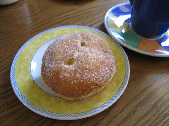 Walsh's Bakery and Coffee Shop : Fresh Jam Donut.