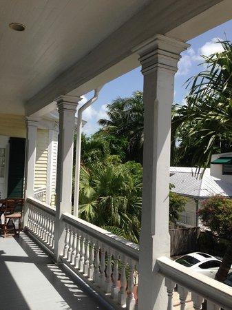 La Pensione Inn: Shared Veranda for Rooms 7, 8 & 9