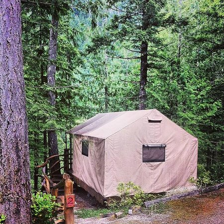 Ruby Lake Resort: Tent exterior