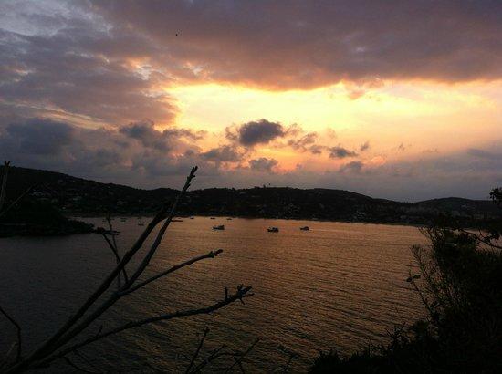 Cliffside Luxury Inn: Sunste from terrace