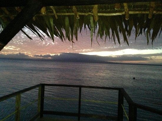 Leleuvia Island Resort: Our wedding sunset!