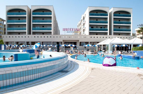 Aparthotel Imperial: Pool