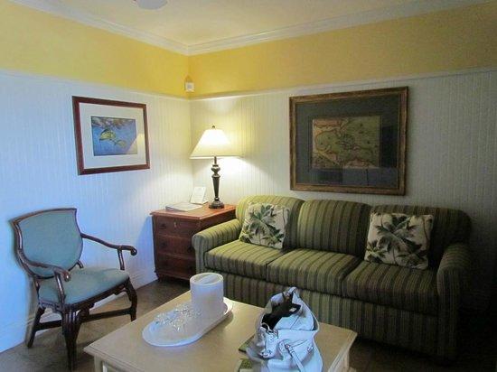 Dove Creek Lodge : Living room