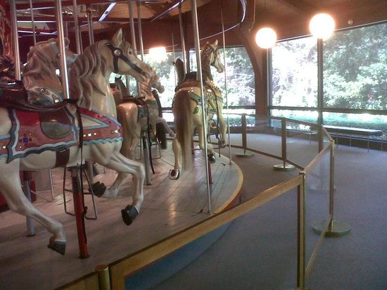 Heritage Museums & Gardens: Working carousel