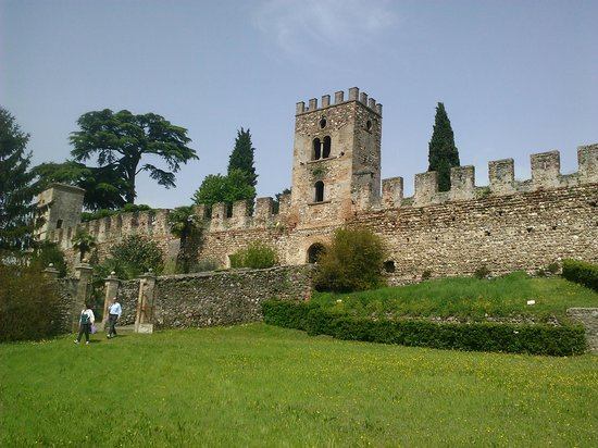 Monzambano, Ιταλία: Castellaro Lagusello