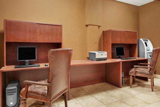The Scottsdale Inn: Business Center