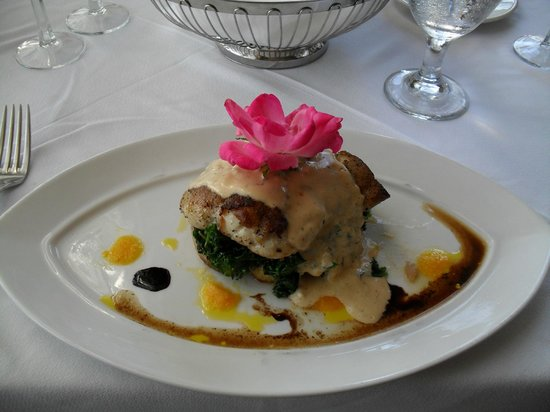 Circa '31 at the Mimslyn Inn : Bacon Wrapped Haddock on Kale and potatoes with sauce