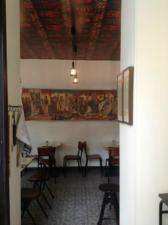 Aksum Coffee House : Decoration: traditional Orthodox painting