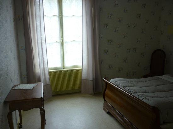 Manoir de Saint-Dye sur Loire: Exemple de chambre