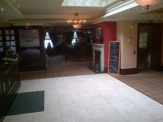 White River House Hotel: Lobby