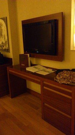 Holiday Inn Istanbul-Sisli : Room