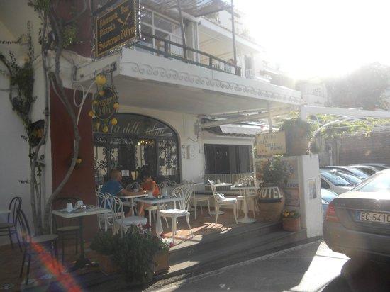 Hotel Villa delle Palme: Love breakfast on the terrace !