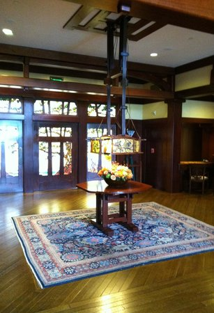 The Lodge at Torrey Pines: The beautiful stained glass doors in the lobby welcome you