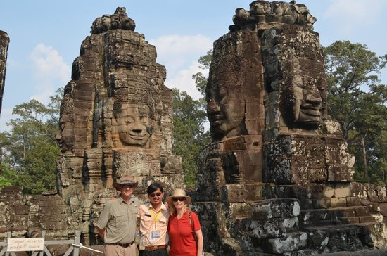 Angkor Wat Tour Guides: Temple visit with Bunleat