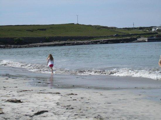 Kilmurvey Beach: Great Sandy Beach!