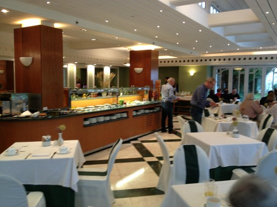 Eurostars Hotel Real: Breakfast room